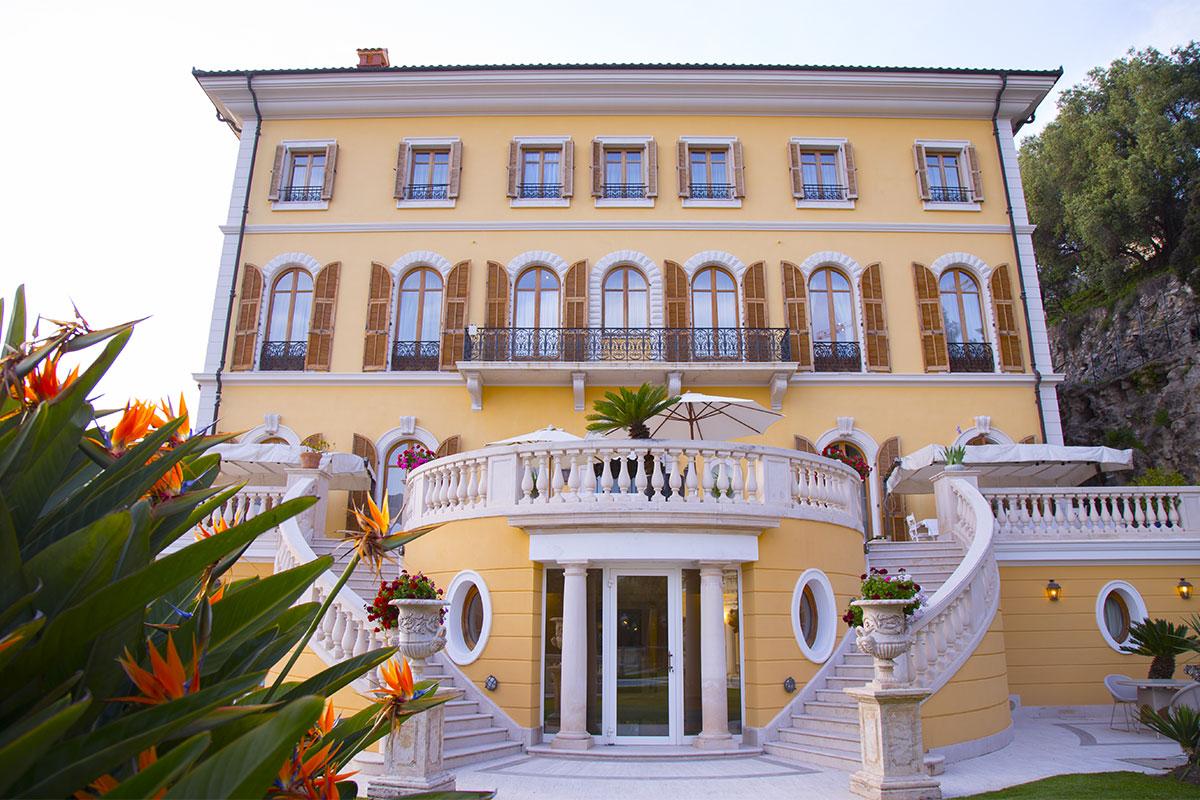 Villefranche sur mer villa schiffanoia ville di lusso in for Planimetrie di lusso
